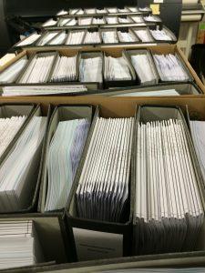 Viele Ordner mit Pläne und Drucken